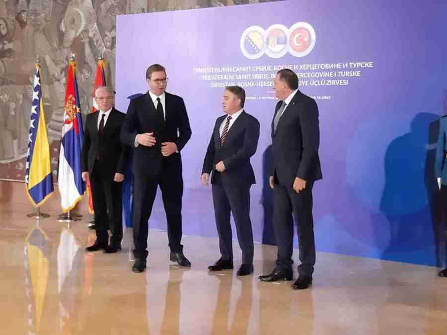 DODIK U BEOGRADU U JAGNJEĆOJ KOŽI: Komšić se šalio na račun članova Predsjedništva BiH…