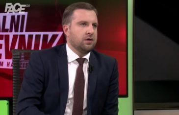 'Ja nisam u SDA, ja jesam SDA': Abdulah Skaka o površnom Konakoviću, odnosu sa Sekom i Bakirom, sunećenju…