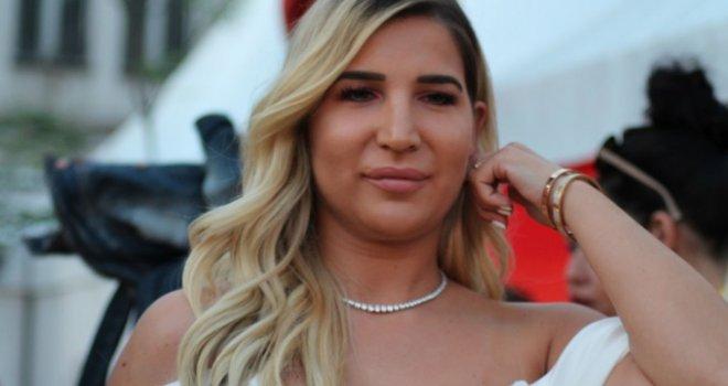 Leyla Hajrović otkrila šta je sve radila prije nego što je upoznala Izeta: Već kao mala išla sam u privatne škole, a od 14. godine…