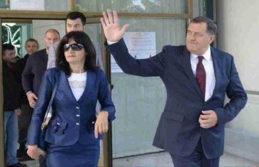 """IMOVINSKI KARTON OTKRIVA BOLNU ISTINU: Milorad Dodik bolji poljoprivrednik nego predsjednik, a tek da vidite koliko je """"teška"""" supruga Snježana…"""