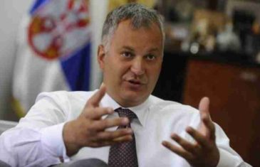 "BIVŠI MINISTAR ODBRANE ŠOKIRAO SRBIJU: ""Rusija nas pokušava zakucati van EU i NATO-a…"""