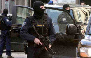 VELIKA POLICIJSKA AKCIJA U HRVATSKOJ, DUGE CIJEVI NA ULICAMA: Razbijena…