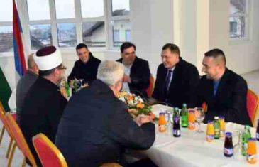 Šta (ne) vidite na ovoj fotografiji: Rijaset IZ u BiH priznao ogroman propust na sastanku sa Dodikom