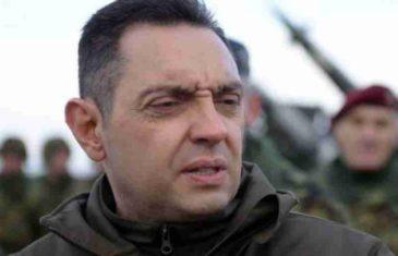 SKANDAL U SRBIJI; BIVŠI MINISTAR ODBRANE RASTURIO VULINA I VUČIĆEVE POLTRONE: Vulin napao Šutanovca zbog teksta o Rusima, a onda se..