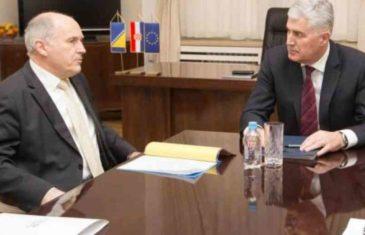OVO SE ČOVIĆU NEĆE DOPASTI: Inzko smatra da se pitanje izbora u Mostaru treba rješavati izvan cijelog paketa…