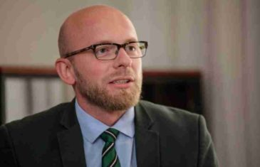 "ADIS ARAPOVIĆ UPOZORAVA: ""Dodikov zahtjev nije briga za bh. privredu, nego pokušaj udara na Centralnu banku i opasan lov u mutnom!"""