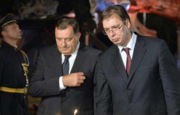 """DODIK NASTAVIO SA NAPADOM NA PREDSJEDNIKA SRBIJE: Vrši ogroman pritisak na vladiku Jefrema da podrži Grigorija, NJEGOVE UDARE VUČIĆ """"VAKCINISAO"""" još jednim snažnim ŠAMAROM…"""