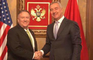 """VUČIĆ ĆE DA POLUDI, PROPALI MU SVI PLANOVI, POMPEO PISAO ĐUKANOVIĆU: """"Snažno sam povezan sa vašom zemljom, Crna Gora nije samo prijatelj SAD-a već i…"""""""