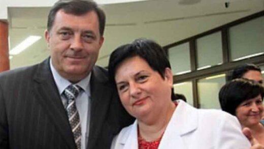 """DUŠANKU MAJKIĆ PONIJELA PJESMA: """"Denis Bećirović je majstor neuspjelih i pogrešnih inicijativa, ni on ni SDP nemaju kapacitet da…"""""""
