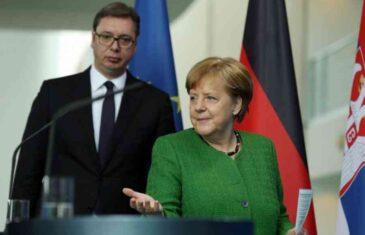 VUČIĆ NE MOŽE DA DOĐE SEBI: Merkelova mu servirala Trumpov uslov, famoznu tačku 10