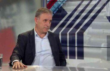 BIVŠI NAČELNIK GENERALŠTABA VOJSKE SRBIJE SPUSTIO VUČIĆU: Za Srbe i Albance Abazović važniji od Trampa i…