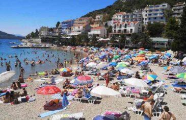 U HERCEGOVINI ZADOVOLJNO TRLJAJU RUKE: Ništa od ljetovanja u Hrvatskoj, Turskoj i Grčkoj, svi putevi vode…