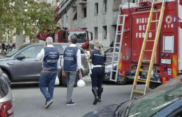 VATROGASCI TRAGAJU ZA POJEDINIM OSOBAMA: Eksplozija gasa u stambenoj zgradi, ima žrtava