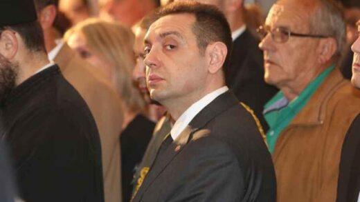 """EVO ČIME SE BAVI VULIN NAKON ŠTO SU MU POGINULA DVA PILOTA: """"Vučić je predsednik svih Srba, mogu samo da ga mrze"""""""