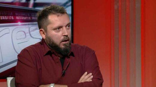 """DRAGAN BURSAĆ: """"Luđaci bi kažnjavali nastavnicu, ali dok je takvih kao što je Sanja Vujović, živjet će vječno antifašistička Crna Gora. DŽABA IM SVI ČETNICI SRPSKOG SVIJETA!"""""""