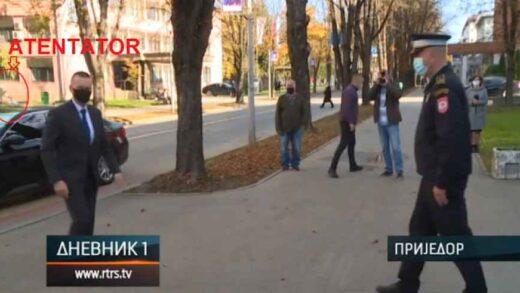 SPRIJEČEN POKUŠAJ UBISTVA MINISTRA LUKAČA: Policija opasnom kriminalcu i duševnom bolesniku jedva otela pištolj i spasila ministra