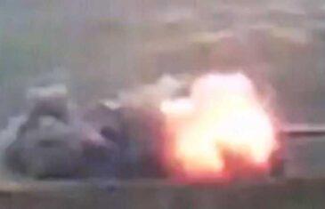 PRAVO U METU: Jermenska raketa razara azerbejdžanski tenk….