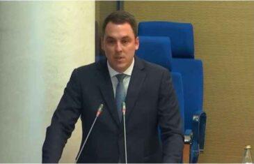 """ZAKUHALO SE U CRNOJ GORI; VUKOVIĆ PROZVAO ABAZOVIĆA PA DEMOLIRAO MANDIĆA I MEDOJEVIĆA: """"Ne može za državu Crnu Goru da radi neko ko priželjkuje njeno rušenje"""""""
