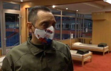 OVO VAM JE SIGURNO PROMAKLO: Vulin radi sve što Vučić ne smije, pogledajte kakvu je masku nosio na licu, OVOGA SE NI DODIK NIJE DOSJETIO…