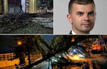 Vjetar pravi haos širom BiH, meteorolog apeluje: Budite spremni na štete na pokretnoj i nepokretnoj imovini