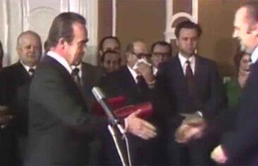 """BIO JE JEDAN OD NAJVEĆIH, BOSANAC I HERCEGOVAC OD GLAVE DO PETE: Kako je Milošević uklonio najmoćnijeg bh. političara, zašto je dirnuo u """"osinje gnijezdo"""" i šta je sve priznao Šešelj"""