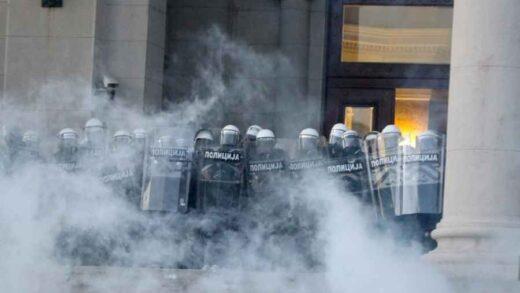 """BORBA SA SRBIJANSKIM SISTEMOM; LAŽI GOSPODARA ŽIVOTA I SMRTI: """"Uhapšen sam i optužen na protestima u julu"""""""