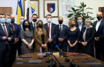 RAZDVOJILI TENDERE ZA MOBILNU I FIKSNU TELEFONIJU DA BI IZBACILI BH TELECOM: Vlada Kantona Sarajevo prelazi na…