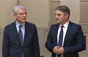 """SUMANUTI NAPAD NA KOMŠIĆA I DŽAFEROVIĆA: """"Zašto se ne usprotive donaciji vakcina iz Srbije?"""