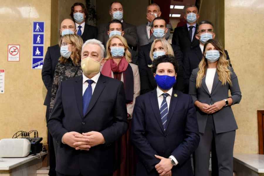 BURNO U CRNOJ GORI, HOĆE LI ZBOG MINISTRA KOJI NEGIRA GENOCID U SREBRENICI, PASTI VLADA: Premijer Zdravko Krivokapić napustio sastanak nakon 45 minuta