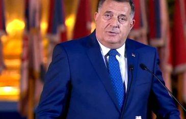 KAKAV DEBAKL U BEOGRADU: Srbovanje Dodika i Vučića doživjelo nezapamćen fijasko, pogledajte koliko se ljudi okupilo na proslavi Dana zastave u milionskom glavnom gradu Srbije