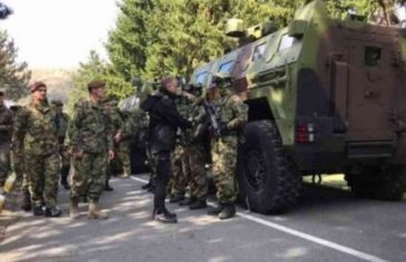"""VUČIĆEV MINISTAR ODBRANE, VALJDA, UPOZORAVA: """"Naša vojska ne provocira, ali je spremna da zaštiti narod ukoliko se…"""
